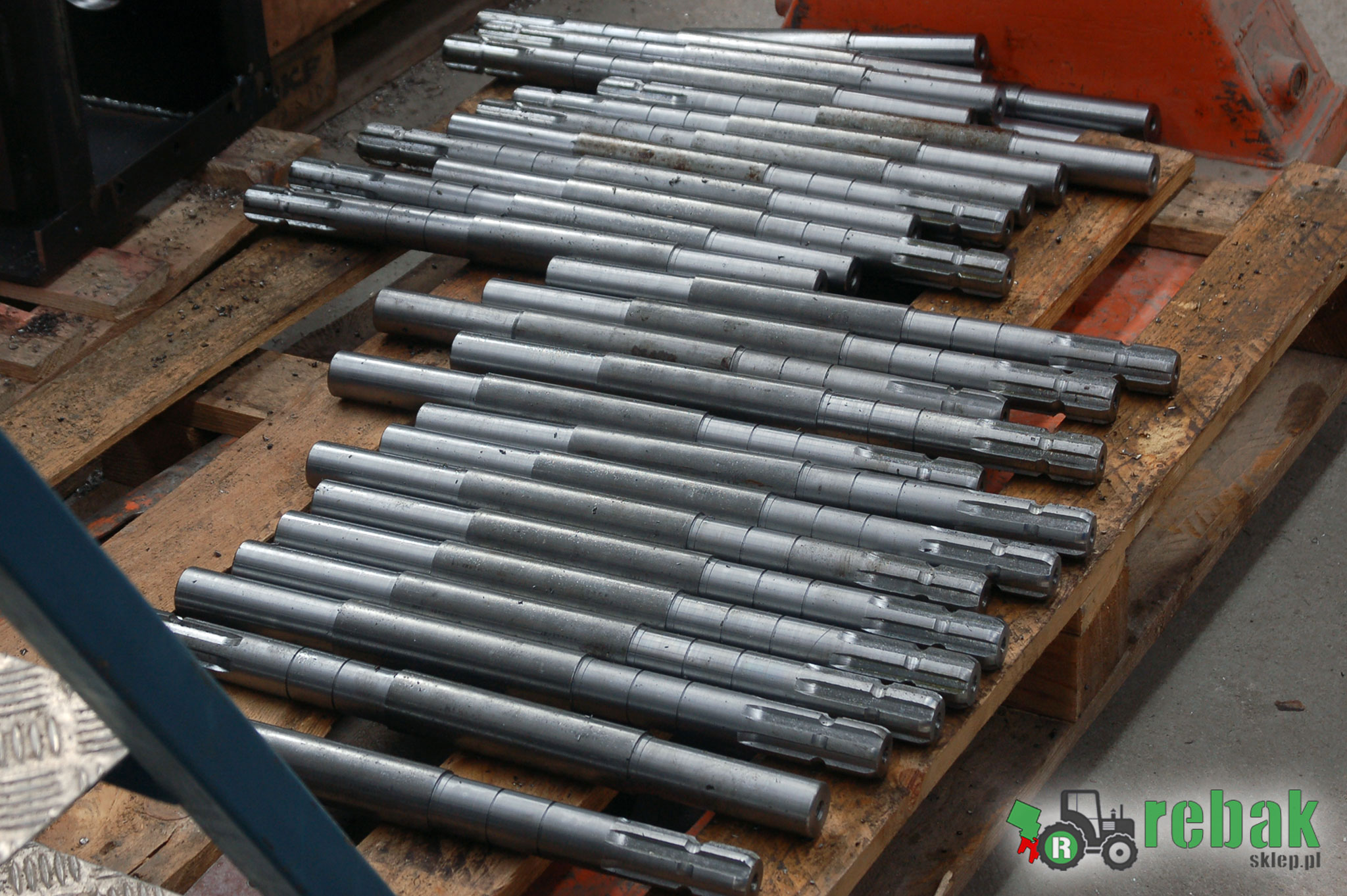 rębak cena, rębaki cena, rebak cena rebaki cena rebak rebaki sklep MetalCAD Rębak do traktora, rębak do ciągnika rozdrabniacz, rębaki do gałęzi wały robocze hartowane zębatki noże tnące HARDOX, WOM